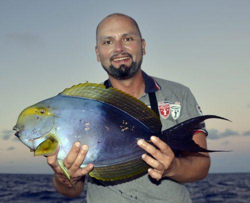 Poisson chirurgien en pêche a l'appât - www.rodfishingclub.com - Rodrigues - Maurice - Océan Indien