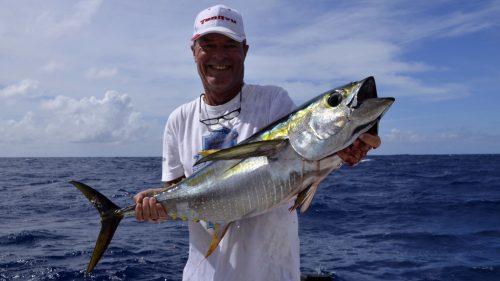 Beau thon jaune en pêche a la traîne - www.rodfishingclub.com - Rodrigues - Maurice - Océan Indien