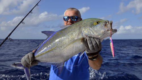 Carangue bleue en peche au jig - www.rodfishingclub.com - Rodrigues - Maurice - Océan Indien