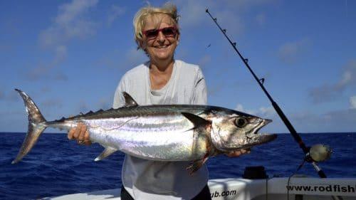 Thon dents de chien en peche a la traine par Genevieve - www.rodfishingclub.com - Rodrigues - Maurice - Ocean Indien