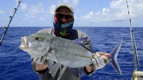 Carangue bleue en peche au jig - www.rodfishingclub.com - Rodrigues - Maurice - Ocean Indien