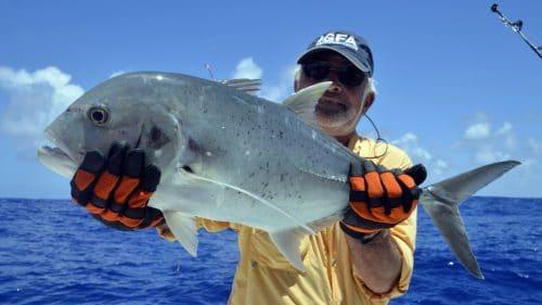 Carangue ignobilis en peche a l appat - www.rodfishingclub.com - Rodrigues - Maurice - Océan Indien
