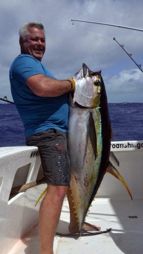 Beau thon jaune en peche a la traine par Cristo - www.rodfishingclub.com - Rodrigues - Maurice - Océan Indien